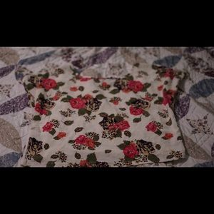 Short sleeve white floral H&M - good condition